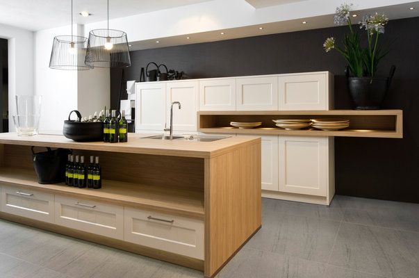 dynamically modern linear kitchen designs. Black Bedroom Furniture Sets. Home Design Ideas
