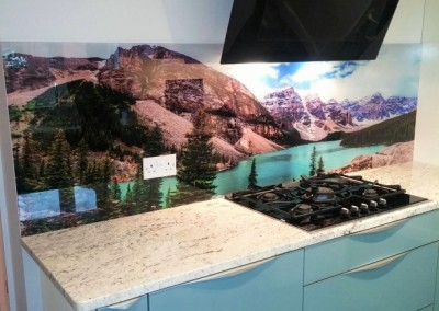 picture glass splashback
