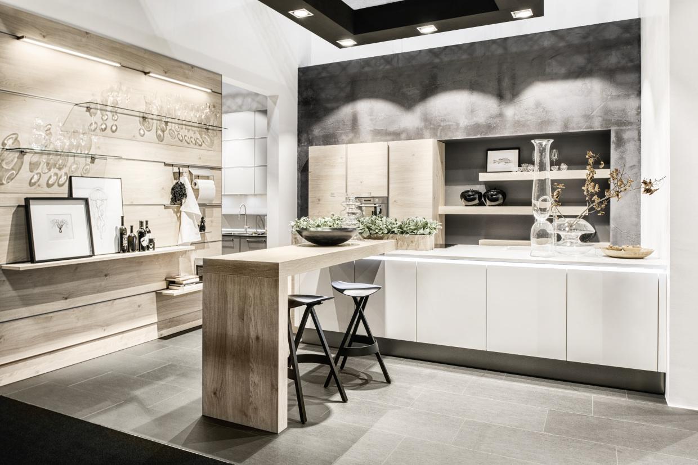Koje 5 - Lux 361 - Weiß HG / ArtWood 22N - Asteiche natur